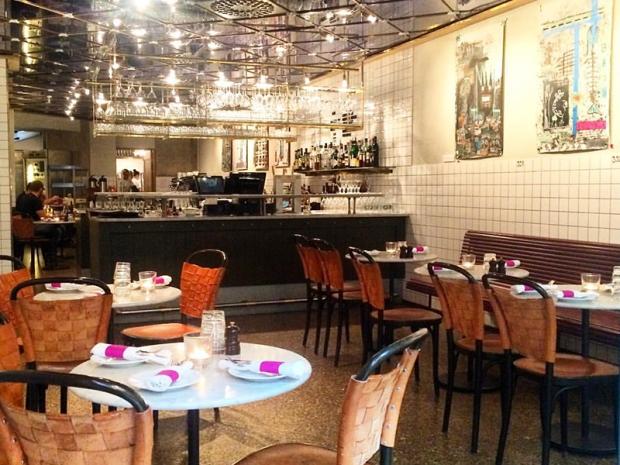 3.RestauranteTavernaBrillo