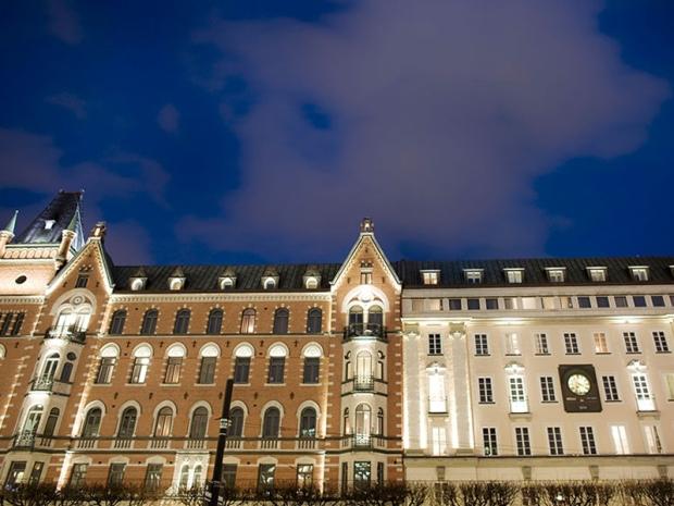4.HotelNobis